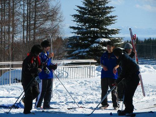 網走第三中学校1年A組歩くスキー授業